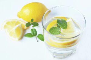 lemon water image to drink